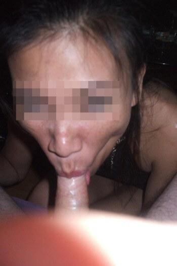 Asiatique sexy sur Fontenay-sous-Bois qui adore la pipe