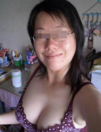 Vietnamienne cochonne voulant pomper une jolie biroute à Grenoble