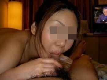 Belle vietnamienne voulant de belles bites à sucer à Issy-les-Moulineaux