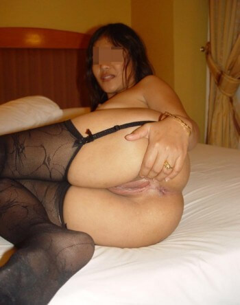 Belle chinoise qui souhaiterait de sexes bien épais à pomper sur Roubaix
