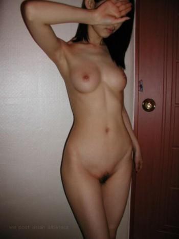 Je suis une fille séduisante et j'aimerais rencontrer rapidement un mec dans la trentaine pour un petit plan sexe. J'habite sur Béziers et je suis bien perverse donc ce que je cherche c'est une rencontre sexy mais je ne vous cacherai pas que moi j'aime énormément initier des hommes au sexe hard. Je recherche aussi des hommes bien membrés alors si vous avez ce qu'il me faut, écrivez moi.
